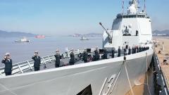 中国海军第35批护航编队从舟山启航