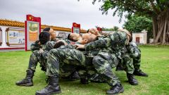 """武警玉林支队:心理服务下基层  解锁健康""""心""""密码"""