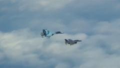 俄两架战略轰炸机在波罗的海中立水域飞行