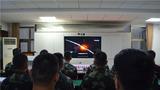 武警北京總隊執勤第六支隊組織官兵觀看紅色電影。