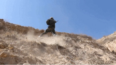 【聚焦实战化演兵场】高原极限体能训练 锻造反恐尖兵