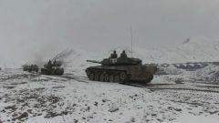 【聚焦实战化演兵场】西藏军区某合成旅展开坦克雪地驾驶训练