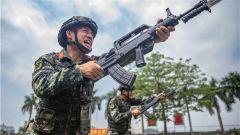 武警广西总队机动支队:立夏时节 练兵场上热浪滚滚