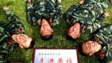 """《共享荣誉》——官兵与""""拥政爱民""""先进奖牌幸福合影"""