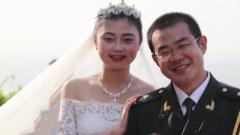这是一场特殊的婚礼:新娘带着婚纱跨越万里嫁给援塞的他
