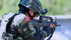 反恐利剑 29岁女特战队员在军营绽放
