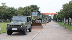陆军某综合训练基地组织工程机械操作专业单兵综合作业连贯考核