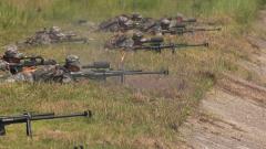 【第一军视】多型火器轮番上阵 实弹射击精彩纷呈