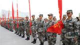 """近日,新疆军区某工兵团年度驻训任务正式拉开帷幕,作为全年军事训练工作的重头戏,该团野外驻训始终以""""苦""""著称,旨在磨练官兵顽强的战斗意志,锤炼他们的血性虎气。"""