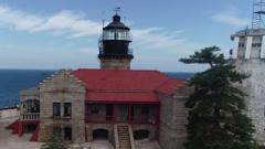新兵参观岛上灯塔 这里有老兵坚守海岛20多年的答案