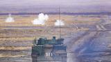 坦克进行机枪实弹射击