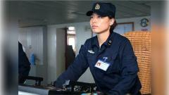 海军首位女操舵手徐玲:只要是男兵学的项目我们全学