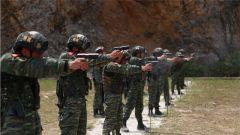 武警六盘水支队:多枪械多课目 练就特战队员射击硬功
