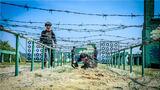 近日,武警广西总队在桂南某训练基地开展预备特战队员集训,来自各基层部队的数百名预备特战队员将在这里进行为期4个月高强度、高难度、系统化的训练。
