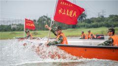 水上演练 备战汛期!武警湛江支队开展冲锋舟操作手集训