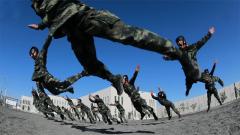 熱血點燃夏日訓練場——武警新疆總隊克拉瑪依支隊實戰化訓練掠影