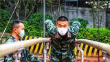 士官是基层部队的中坚力量,充分发挥好士官的骨干作用,对于提高部队战斗力、推动部队全面建设具有重要意义。近日,武警广东总队梅州支队组织指挥士官集训,进一步建强指挥士官队伍,夯实战斗力基础。图为参训人员进行器械训练。