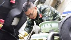 武警曲靖支队:精准保养装备 确保全时能战