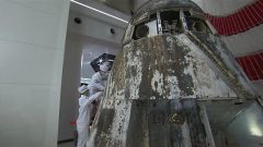 新一代载人飞船试验船返回舱开舱仪式在京举行