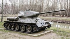 """美购置大量俄制武器进行""""逆向制造""""? 房兵:美能买就买 买不到就""""抢"""