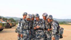 军队人大代表:互动式宣讲 让两会精神落地见效