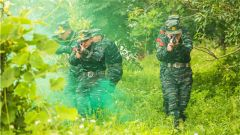 武警来宾支队:夏练三伏 加钢淬火砺精兵