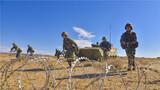 装甲步兵协同发起冲击。