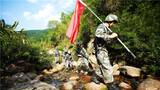 邊防官兵巡邏在彩云之南,用腳步丈量祖國的邊防線。