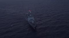 中国海军第35批护航编队组织两舰双机跨昼夜飞行训练