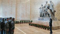 陸軍第80集團軍某旅前往海陽市地雷戰紀念館參觀見學