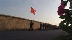 硝煙彌漫 火箭軍某部開展百公里晝夜野營拉練