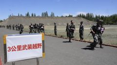 """新疆軍區某團:軍事考核""""戰味""""濃"""