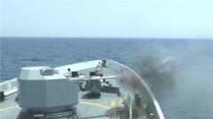 海军日照舰组织开展海上实弹射击训练