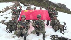 新闻特写:六月飞雪 边防官兵挺进4600高地