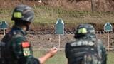 武警特战队员在进行步枪记忆识别射击考核