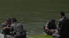 """侦察兵训练太""""硬核""""!水上仰卧起坐他们一做就是200个"""