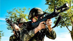 新疆克拉玛依:酷暑练兵 武警官兵实战化训练火力全开
