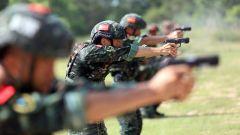 武警欽州支隊:高溫天氣下手步槍射擊錘煉硬功