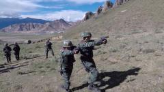 迎难而上 特战队员克服紧张情绪挑战掩护搜索射击