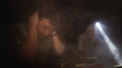 火炮齐射 硝烟弥漫 记者近距离感受实弹射击感叹:冲击波太强了
