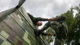 三人协作攀登训练