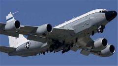 俄罗斯战机在黑海上空拦截美军侦察机