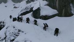 西藏墨脱:翻雪山 穿河流 边防官兵踏上生死巡逻路