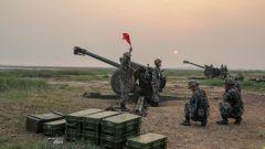 炮声轰鸣 直击陆军第80集团军某旅炮兵分队实弹射击现场