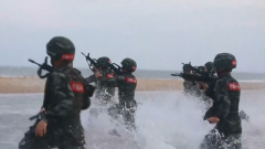 福建莆田:武警官兵开展海上反恐演练