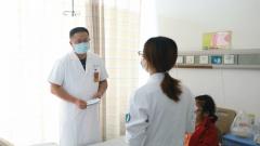 脊柱畸形女子长巨大肿瘤 陆军军医大学多学科军医联手成功切除
