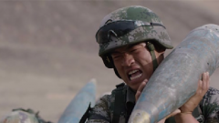 """重伤阴影未消 铁血炮长冒险坚持全力保护特殊""""战友"""""""