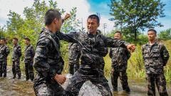 陆军第72集团军某旅开展极限体能训练