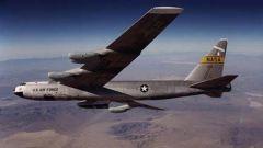 """美欲将B-52轰炸机服役至""""百岁"""" 专家:美认为轰炸机无可替代"""