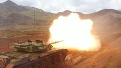 【第一军视】战车疾驰漫卷黄沙 实弹射击火力强悍